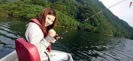 路亚美女视频:美女钓手第一次钓鳜鱼